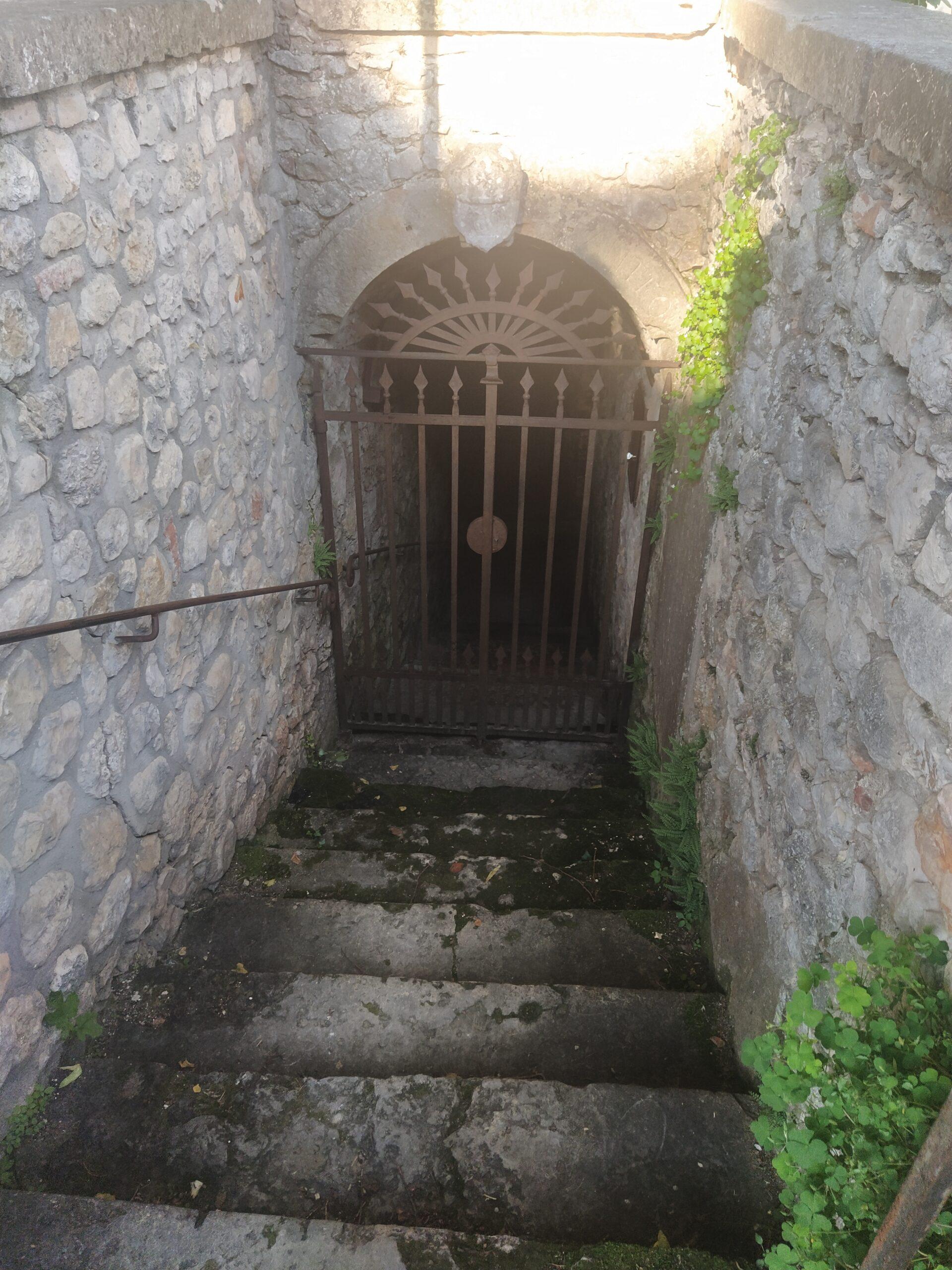 Scalinata di ingresso all'ipogeo di Santa Maria in Stelle